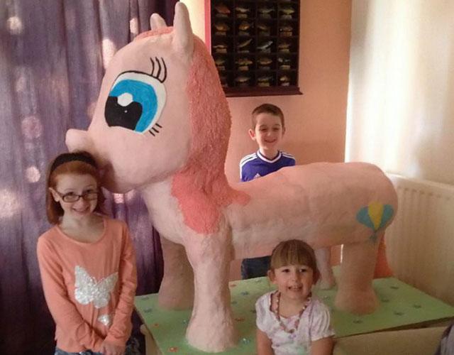 United Kingdom Mom Makes 4 Foot Tall Birthday Cake For Her Brony
